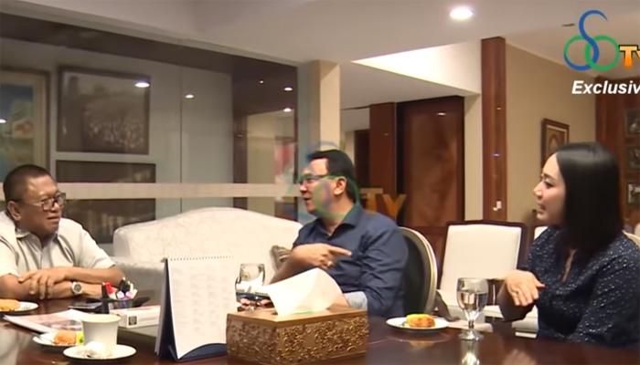 sebuah video yang di unggah akun youtube oleh OSOTV Channel, disana terlihat Ahok dengan mantan polwan Puput Nastiti Devi sedang