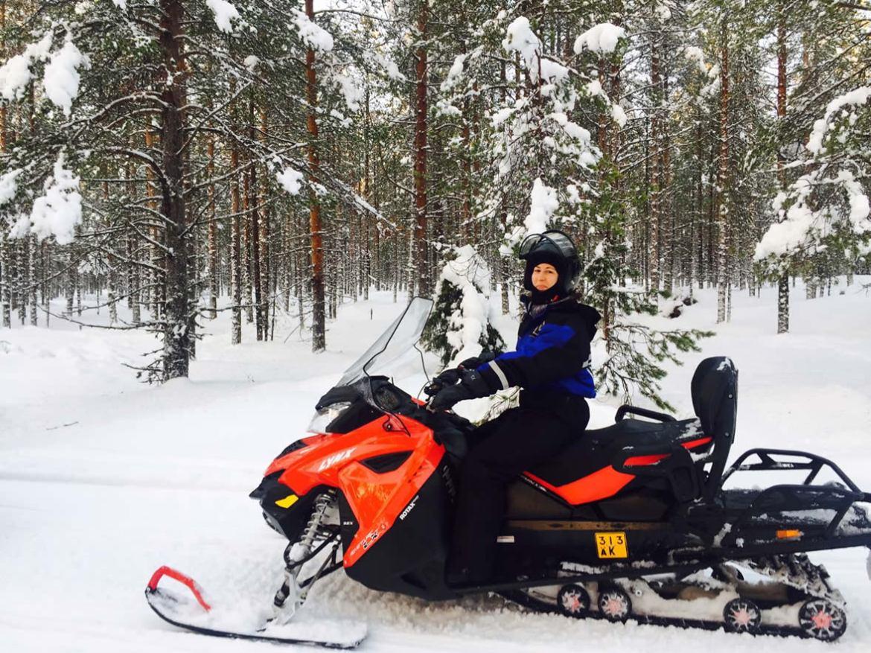 moto de nieve que hacer en rovaniemi