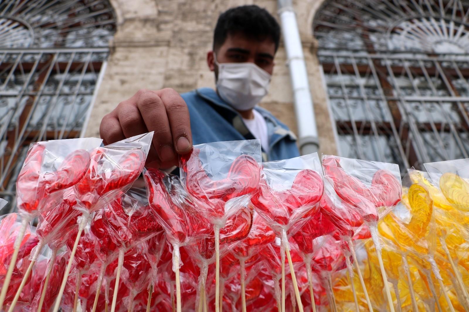 Sivas'ta Ramazan ayının vazgeçilmezi 'Horoz Şekeri'