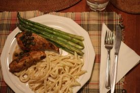 Chicken piccata, fettuccine alfredo and asparagus | Six at 6