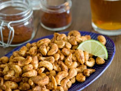 chili and lime roasted cashews healthy fall thanksgiving appetizer