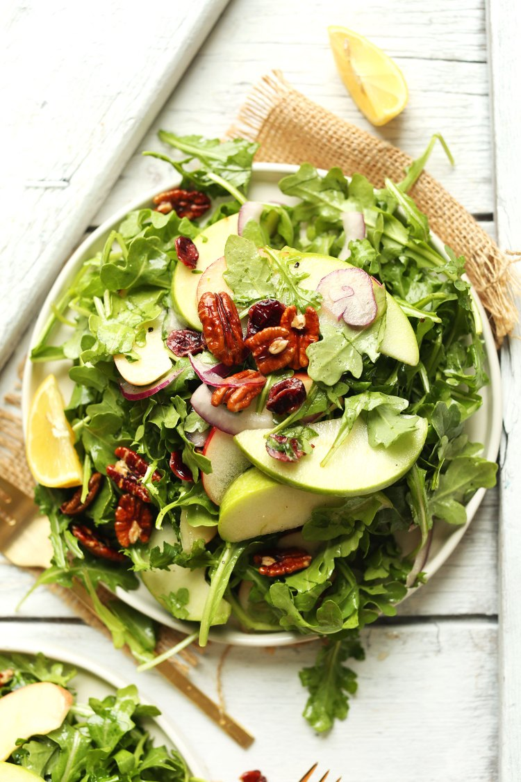 Spring Salad Recipes | Healthy Recipes | Salad Recipes | Strawberry Spinach Salad | Best Salad Recipe | Vegan Recipes | Healthy Recipes | Healthy Meals | Salad Ideas | Easter Recipe Ideas | Easter Ideas easy apple arugula salad with pecans and lemon vinaigrette