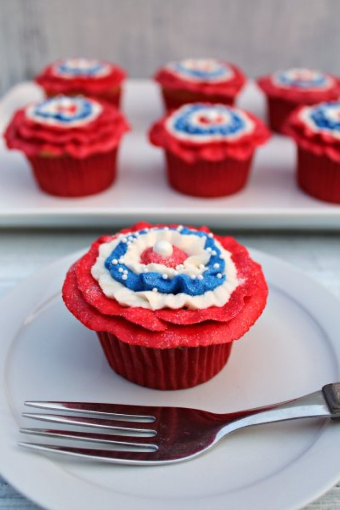 Patriotic Cupcakes | Memorial Day | Picnic Ideas | Red White Blue | Summer Desserts | Picnic Food | Cupcake Recipes | American Fun Food Ideas