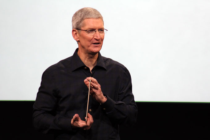Tim Cook with Gold-backed iPad Air 2