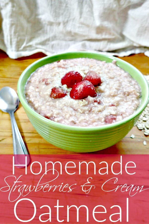 Strawberry & Cream Oatmeal - Looking for a new and cheap breakfast recipe? These strawberries and cream oatmeal recipe is just what you need! It's super easy to make, easy on your budget and tastes amazing!