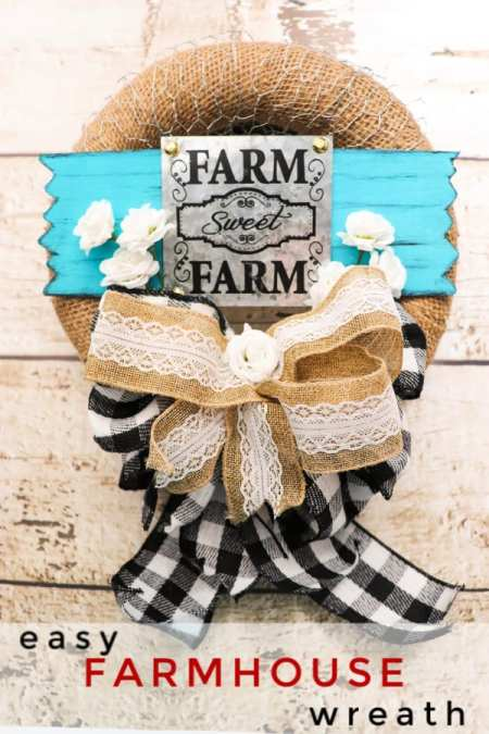 If you love farmhouse decor, you'll love how simple this easy farmhouse wreath is to make! Super simple and looks great in any home! Great DIY gift too!