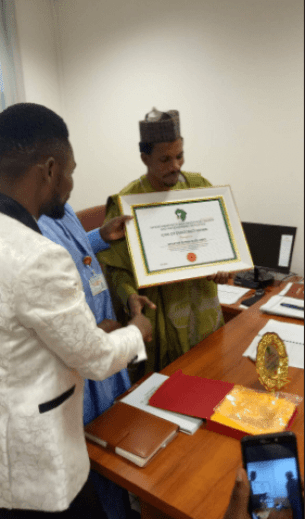 Just imagine this! Sen. Elisha Abbo receives an Icon Award weeks after assaulting a lady in sex toy store
