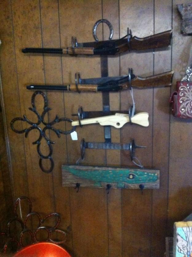 Horseshoe Gun Rack 2