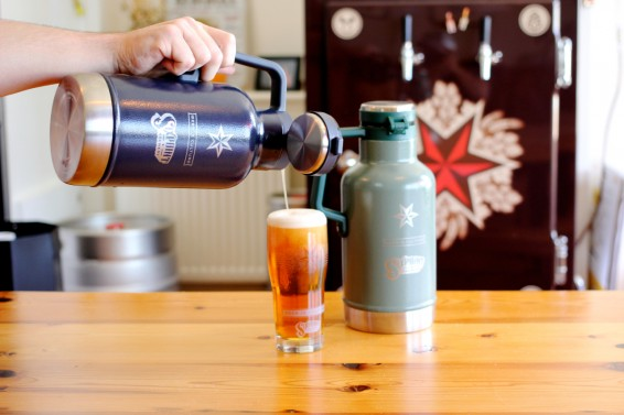 stanley-growler-pour