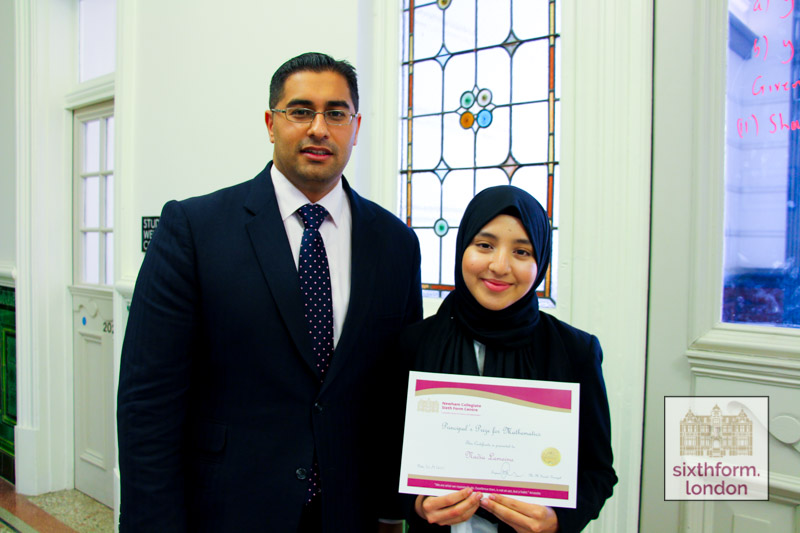Nadia collects the Principals Prize for Maths 2015