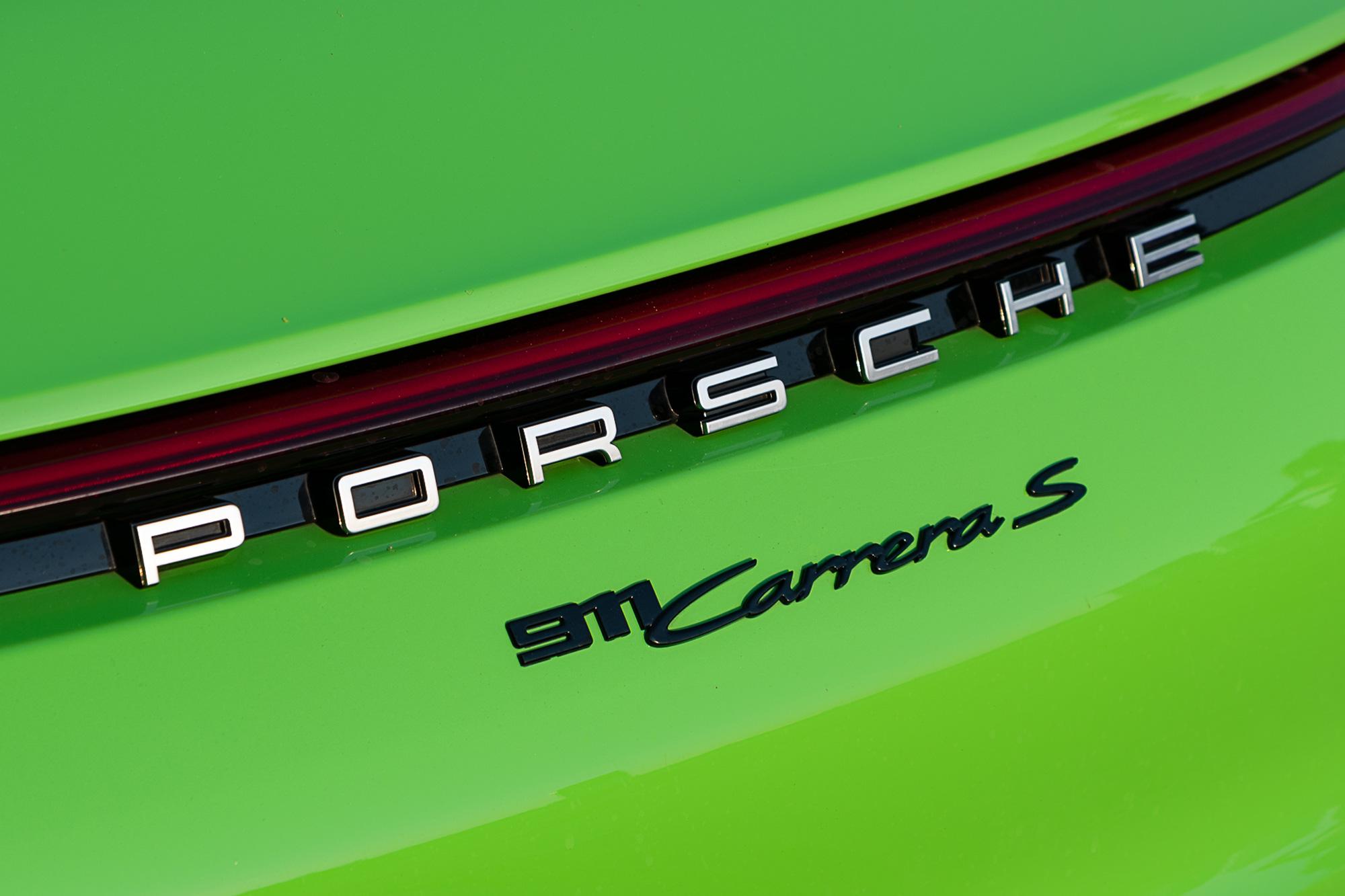 sixtysix mag porsche 911 lizard green