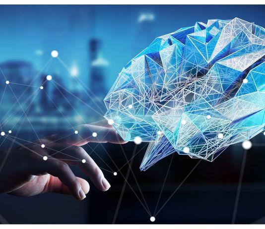 görselde mavi ekranın üzerinde bir beyin resmi vardır.