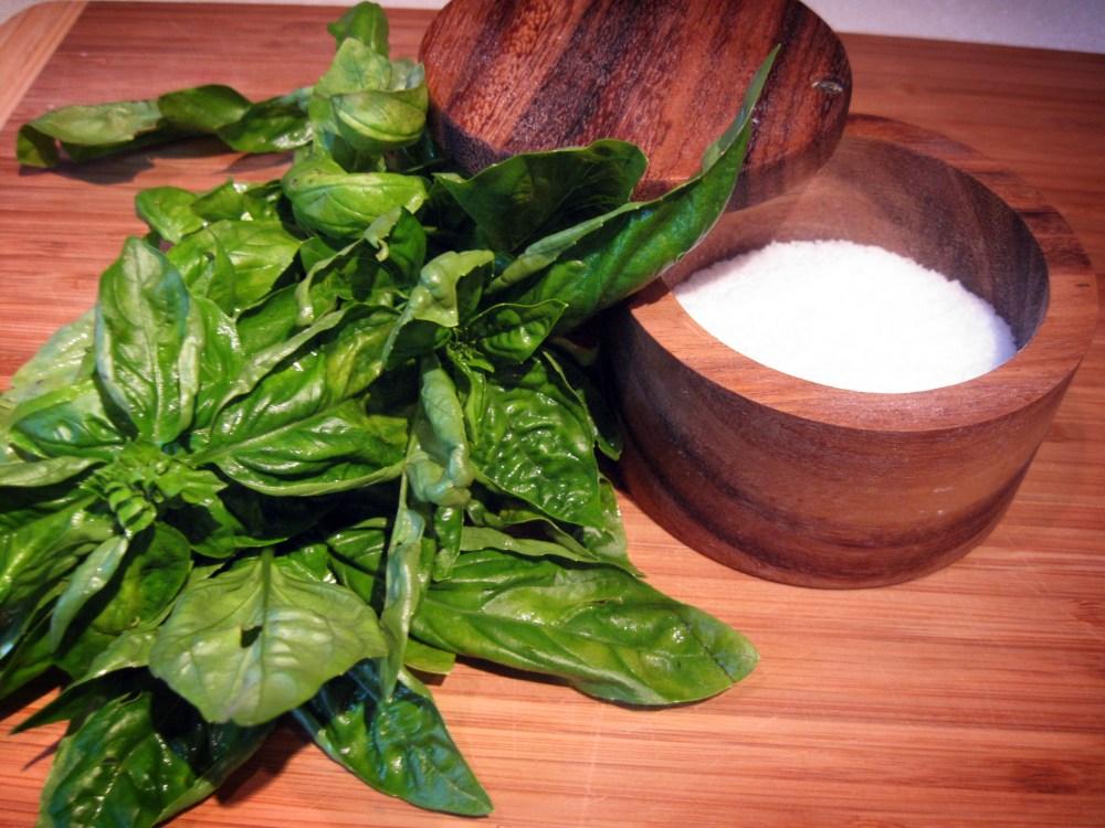 Basil Salt (1/6)