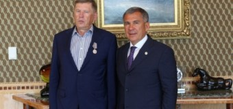 Рустам Минниханов отметил вклад гендиректора ИД «Комсомольская правда» в развитие СМИ