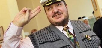 Художник Вячеслав Бибишев все проблемы решал с улыбкой