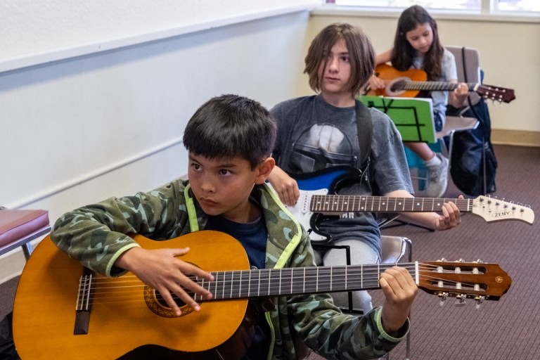 Group Guitar lessons provided by SJG School of Music in San Jose and Campbell.