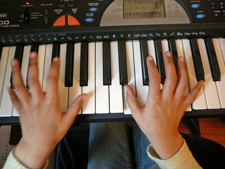 Zoom online piano lessons provided by SJG School of Music. Take a free trial lesson today.