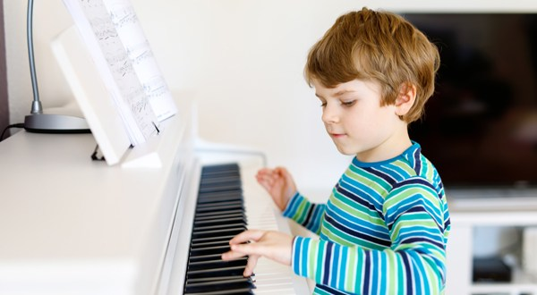free music lesson at SJG School of Music