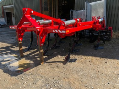 Three-row-stubble-cultivator (2)