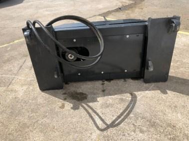tractor-loader-bale-unroller-unwinder (5)