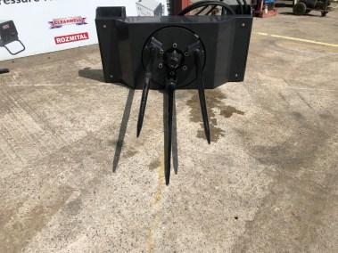 tractor-loader-bale-unroller-unwinder (7)