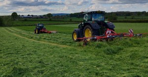 rozmital-heavy-duty-hay-tedders-turner