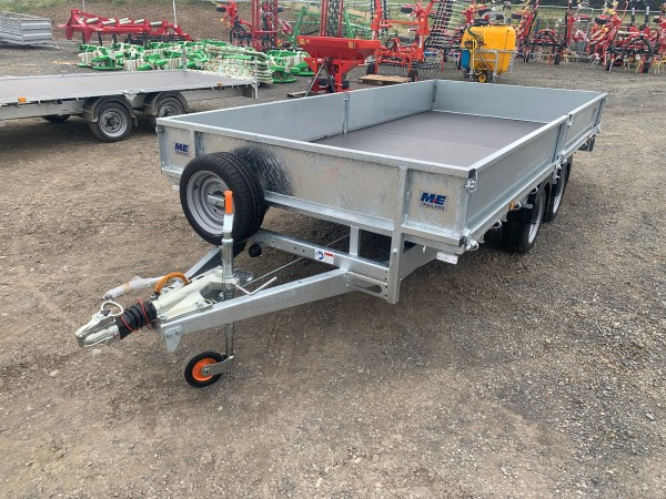 Meredith and Eyre Flat Bed Goods Trailer with 3500kg gross carrying weight and 14ft x 6ft6in bed, shown with sides and LED lights.