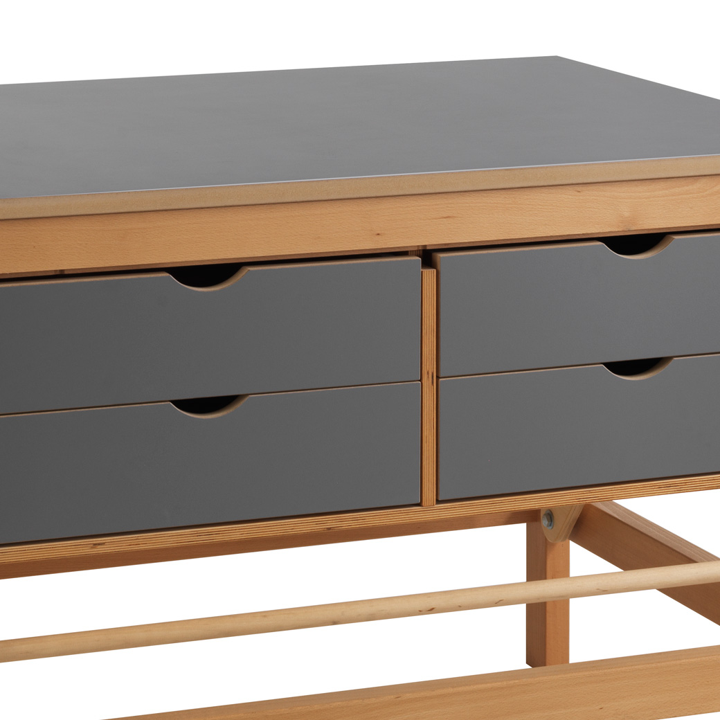 Drawer bank, Cutting table