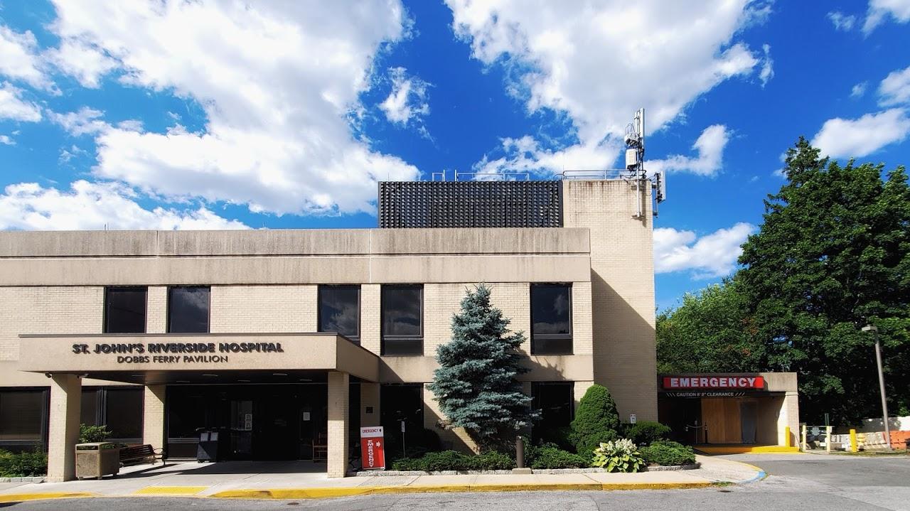Dobbs Ferry Hospital entrance