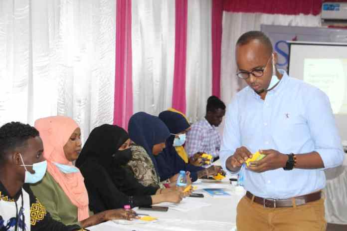 Digital Shelter's Abdifatah Hassan provides training participants a session on digital and data protection. | PHOTO CREDIT/SJS.