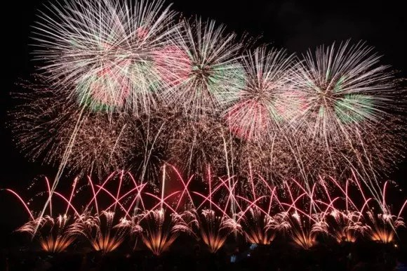 赤川花火大会の穴場スポット2018と駐車場や場所取りは?