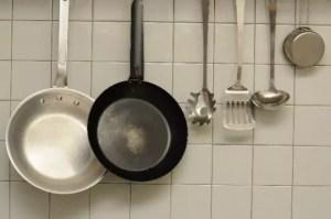 フライパンや鍋の焦げの落とし方!気持ち良くらい焦げを取り除く方法
