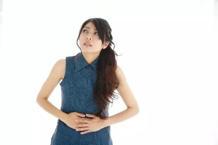 食べ過ぎて胃が痛い!その対処の仕方と治し方やツボ
