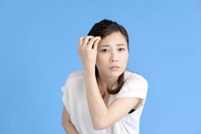 若白髪は遺伝やストレスが原因なの?白髪を増やさない対策法!