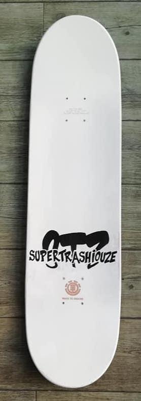 supertrashiouze dessus 1