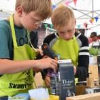 Børn bygger robotter på Naturmødet