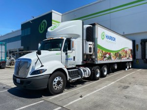 Harbor-Foodservice-drivers-truck-driving