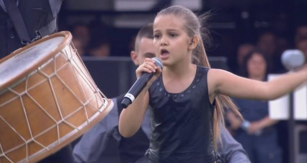 Малката певица Поли Иванова стана световен хит с 47 млн. гледания на видео във фейсбук