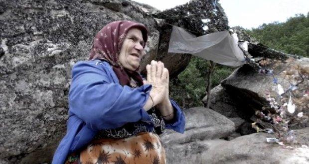 Баба Юлия се пребори с рака и се закле да помага на болни хора
