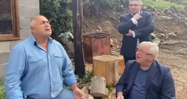 Борисов на раздумка с Ананиев в Родопите: В следващия бюджет ще има