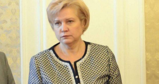 Менда Стоянова: Каква бедност!?
