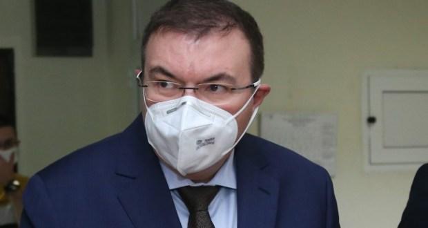 Здравният министър посочи кои мерки остават за Коледа и Нова година
