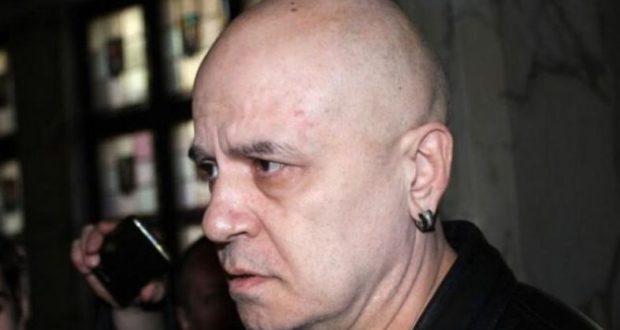 Слави печели младите БСП – бабите. За ГЕРБ гласуваха висшистите