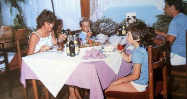 Така изглеждаха ресторантите през соца: Шопската салата 70 ст. а голямата ракия вървеше по левче