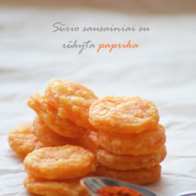 Sūrio sausainiai su rūkyta paprika