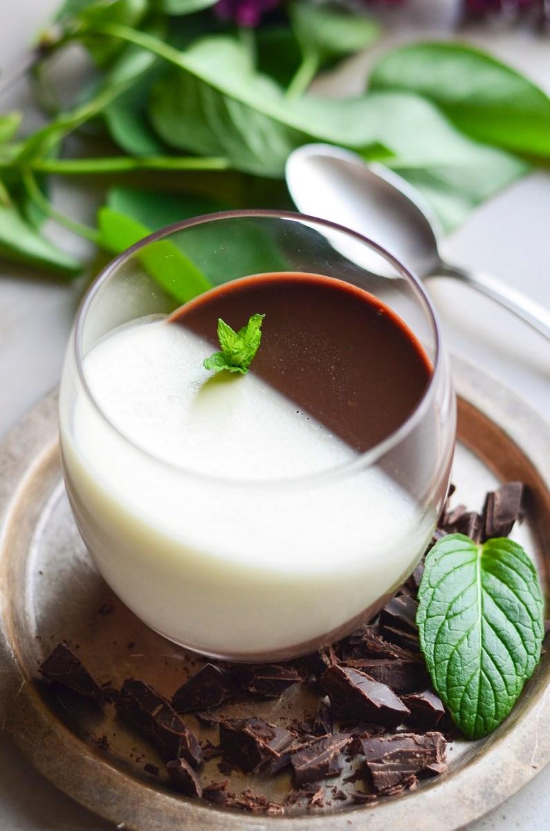 Šokolado ir mėtų panakota (panna cotta)