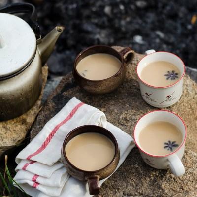 Šildanti prieskonių arbata