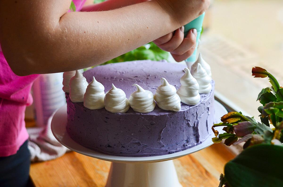 Citrinų ir šilauogių kremo tortas su morengo kepure (5) - Copy