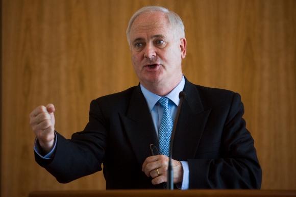 John Bruton, ex premier targato Fine Gael e candidato alla presidenza UE