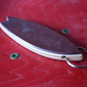 Surfboard-Keychaine-Skateboard wood-upcycling-shop